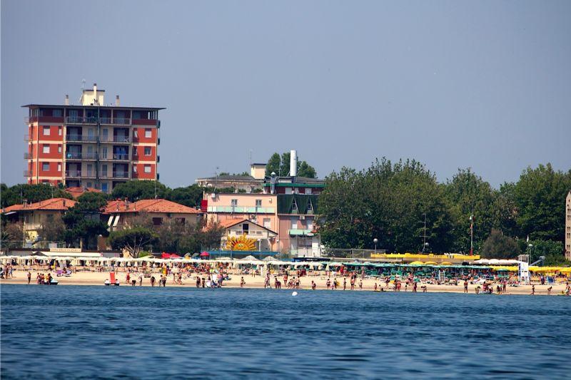 La spiaggia (clik sulla foto per altre foto) - Hotel Ondina Milazzo ...